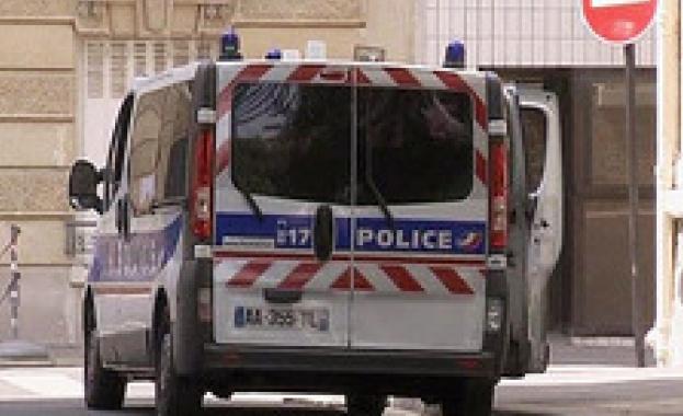 Мъж опита да се вреже с колата си в пешеходци в Ним