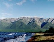 Руските учени откриха стотици милиони тонове петрол на дъното на езерото Байкал