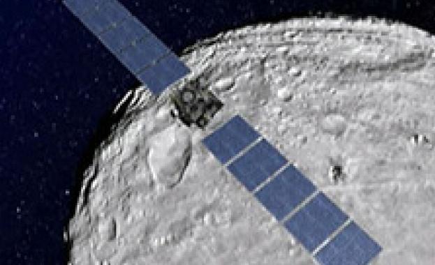 12 февруари 2001 г. - За първи път космически апарат каца на астероид