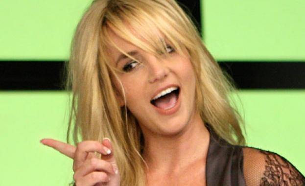 Пристигането в Израел на Бритни Спиърс предизвика истинска суматоха, съобщи