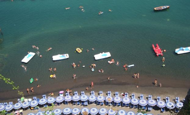 Бум на отказани резервации за почивка в Гърция в последния