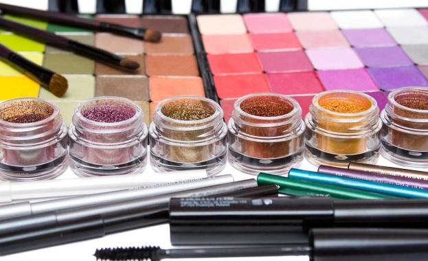Tърговци разпространяват фалшива козметика в интернет