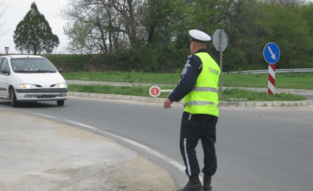 """Снимка: 1350 лева глоба за шофьор, карал с 277 км/ч по АМ """"Струма"""""""