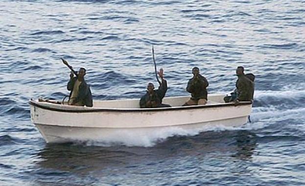 Пирати взеха за заложници шестима руски моряци