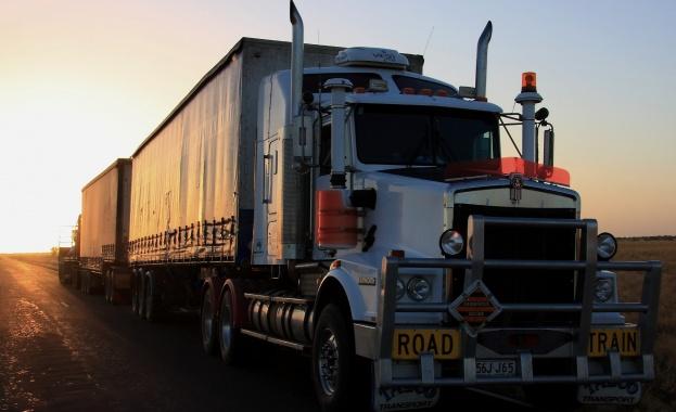 Снимка: Жители на Бобов дол недоволстват от преминаването на камиони през града
