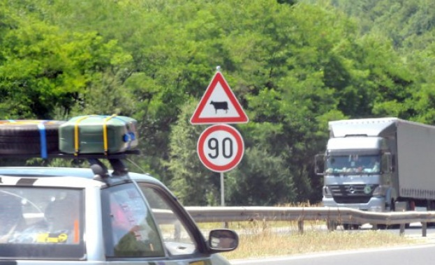 Влязоха в сила по-тежките наказания за рискови изпреварвания и шофиране