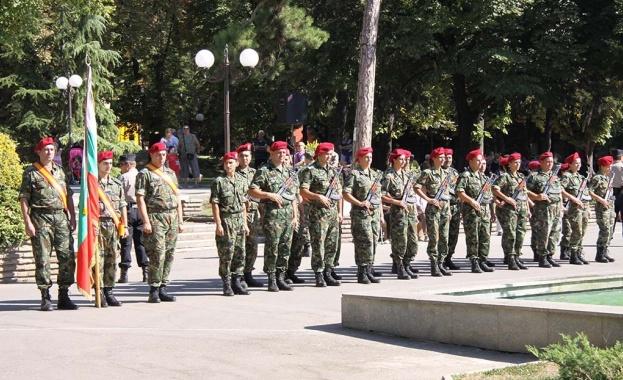 Възможностите за постъпване на работа в Българската армия ще бъдат