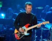 Продадоха китара на Клептън за $45000