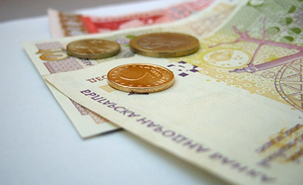 Българите плащат стриктно само сметките за ток и ипотечните заеми