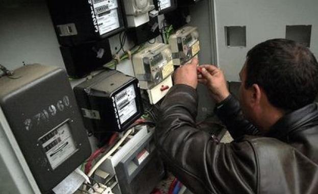 Жегите през последната седмица вдигнаха потреблението на ток с 10-15