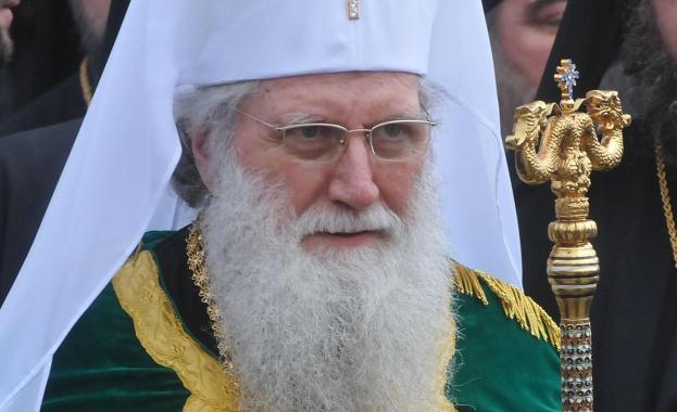 Патриарх Неофит с празнично обръщение към българските деца и родителите им