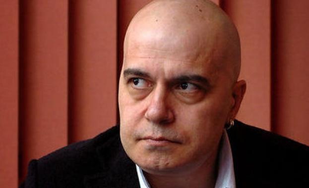 Махат от референдума на Слави въпроса дали депутатите да станат 120
