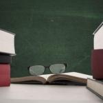 МОН: Готови са проектите за нови учебни програми за 11-и и 12-и клас