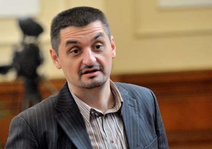 Кирил Добрев: Държавата се управлява от скандали, БСП реагира адекватно