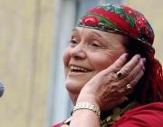 Валя Балканска смая италианците в Матера с гласа си