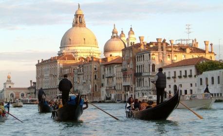 Венеция въведе входна такса за всеки турист