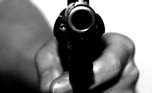 Въоръжен мъж откри стрелба в испански супермаркет
