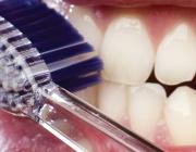 Д-р Николай Шарков: Едва 30% от българите си мият зъбите