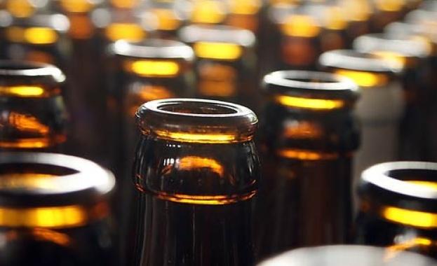 Митнически служители от Варна иззеха нелегален алкохол по обява в интернет