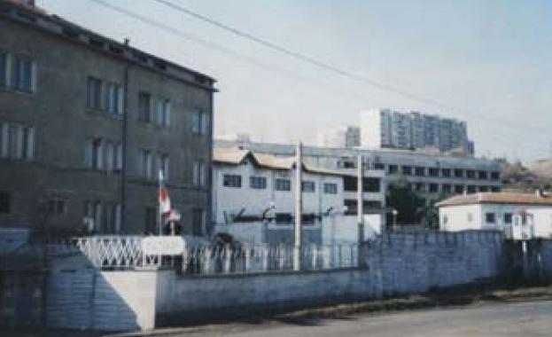 Трима затворници от Бобов дол се явиха на матурата днес