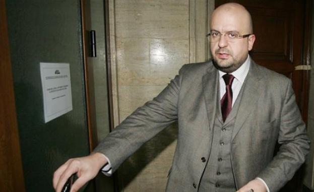 И Камен Костадинов напуска ДПС в парламента