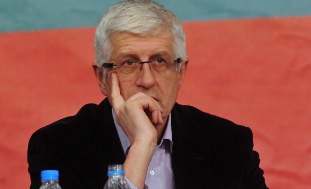 Овчаров осъди Яне Янев за клевета