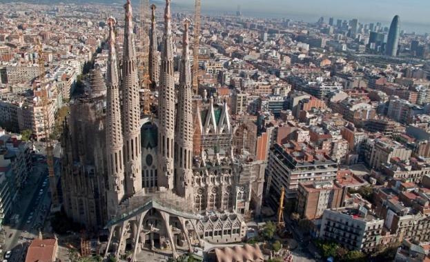 Испанската полиция е установила периметър за охрана с ширина 250