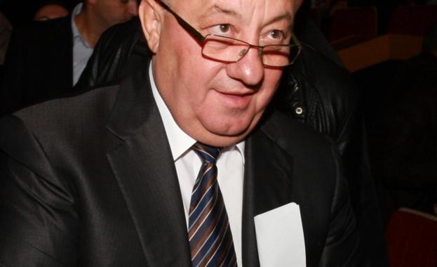 750 тома на български автори ще дари Георги Гергов