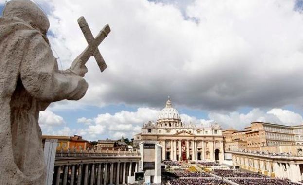 Главният одитор на Ватикана Либеро Милоне подаде оставка без да