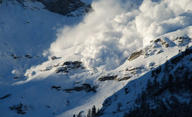 Висока е лавинната опасност в планините