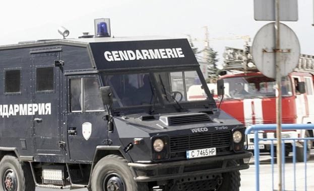 Жандармерия и полиция блокираха Казанлък (обновена)