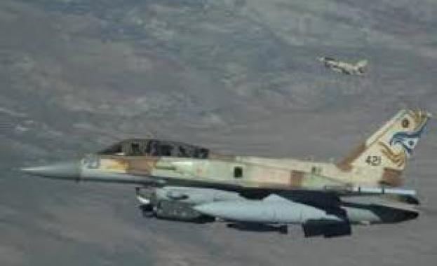 Израелската армия отново атакува сирийски военни цели, след като територията