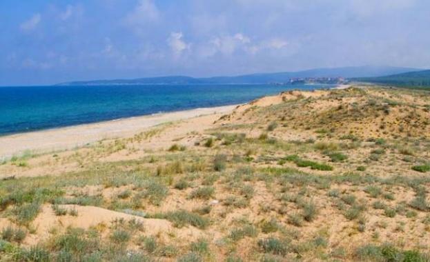 Забранява се опъването на палатки и хавлии върху дюни
