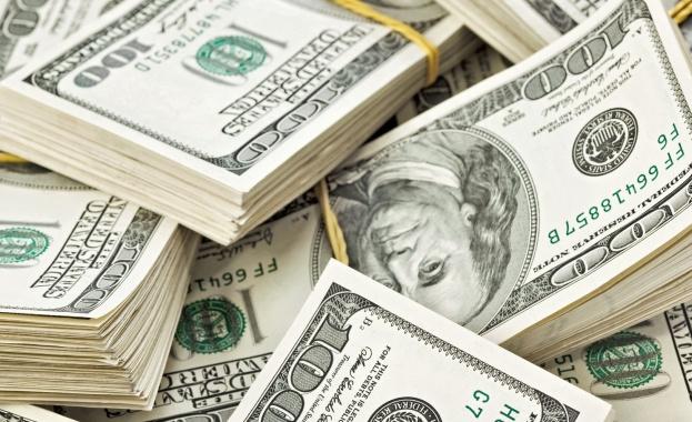 Мъж спечели почти половин милиард долара от лотарията