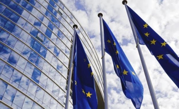 Еврокомисията ще съди Полша заради политически контрол над съдиите