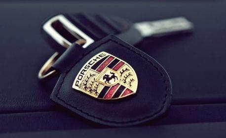 Porsche раздава по 9700 евро премии на служителите си