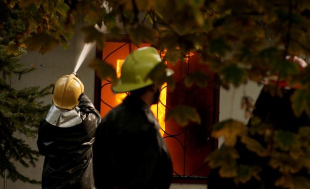 """""""Носим дрехи втора употреба от цяла Европа"""", оплакват се пожарникари"""
