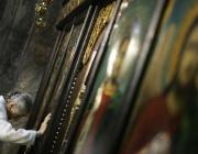 Мъж опитал да открадне купел със светена вода от църква