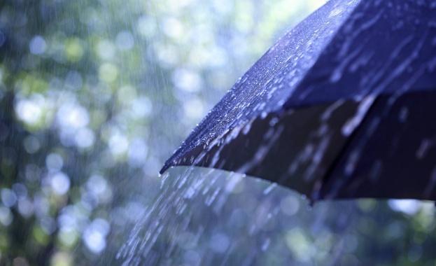 Жълт код за валежи и гръмотевици е обявен за пет