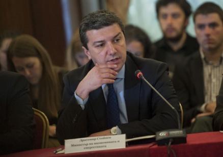 Стойнев се обяви против увеличение на цената на тока с над 3%