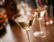 Българите харчат все повече за здравеопазване, алкохол и цигари