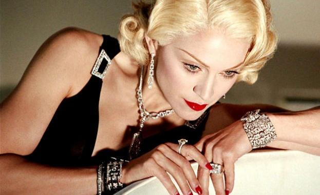 Откраднаха лични вещи и фотографии на Мадона, предвидени за търг
