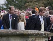 Принц Уилям на сватба без Кейт