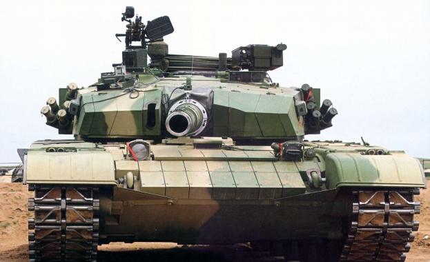 Освен самолети и кораби, държавата ще купи и бронирани бойни