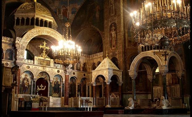 Новоосветеното свето миро ще бъде преместено от патриаршеската катедрала