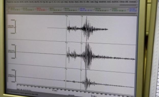 Нови две земетресения в Западна Турция