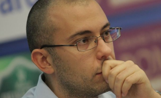 Стайков: Управленската програма - бягство от конкретика