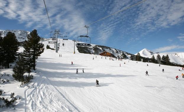 """Трите ски писти в планинския курорт """"Беклемето"""" работят"""