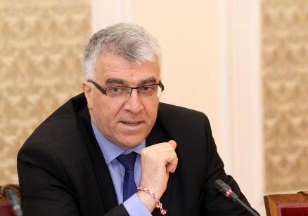 Гечев: Управляващите крият Боршош, неявяването му пред парламента е скандално