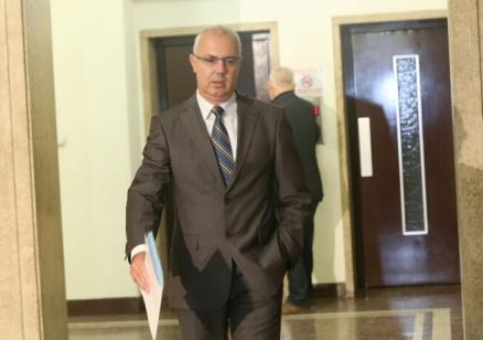 Вучков напуска и парламента